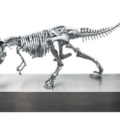 Philippe-Pasqua_-T-rex_-2017_-Polymer-with-chrime-polish_-150x300x110-cm